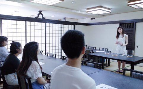 五百羅漢寺で開催している萩原薫さんによるクリスタルボウルと仏像ツアー