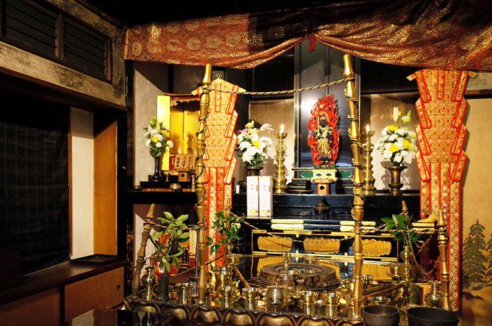 東京錦糸町にある二七山不動院 本堂